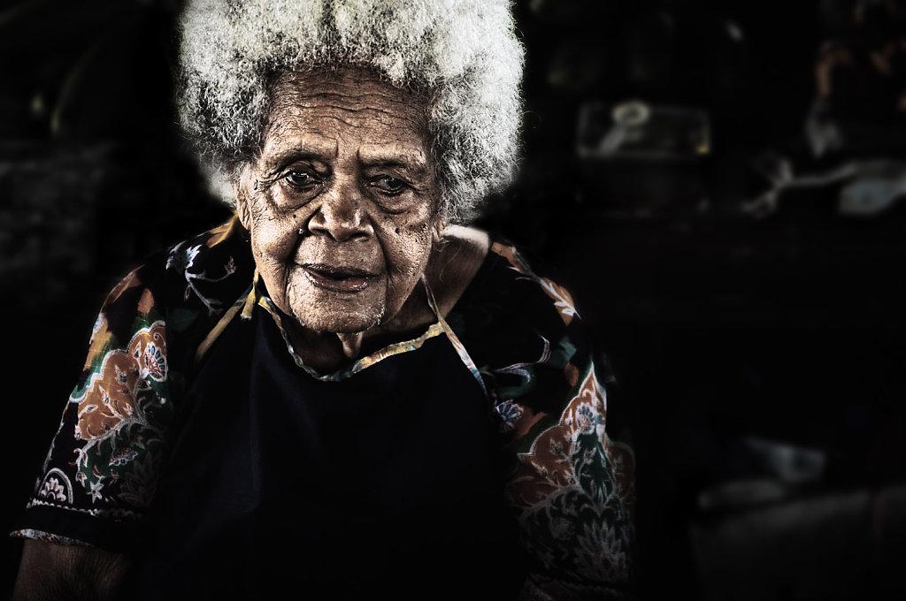 Granny, Fiji
